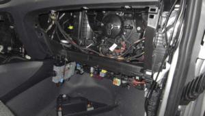 podlaczanie-zasilania-do-generatora-mercedes MONTAŻ