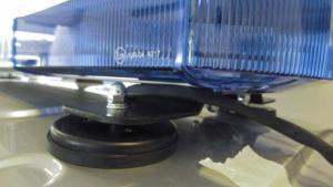umlz-uchwyt-magnetyczny-montaz-dach-auta MONTAŻ